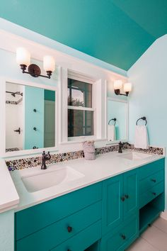 Under the sea… love this simple color scheme with fun #mosaic tile backsplash. These homeowners didn't go overboard with the kid theme, and it's a great #bathroom for everyone in the family as well as friends or guests to use. Great use of accessible storage, too.