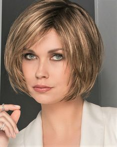Bob Style Haircuts, Short Layered Bob Haircuts, Stacked Bob Hairstyles, Long Bob Hairstyles, Trending Hairstyles, Short Hair Cuts, Short Hair Styles, Blonde Bob Haircut, Lob Haircut