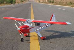 VQA089 PIPER PA-22 TRI-PACER RED & WHITE • Col Taylor Model Supplies $159