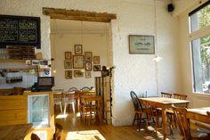 Creative café interior design at Caravan, Antwerp || read the review at Lovebrunchblog.com