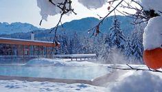 Pool und Badehaus im Hotel Das Kranzbach im Winter (via @kranzbach) - http://www.daskranzbach.de