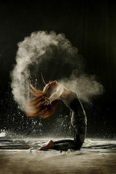 tenue de danse moderne, photo de la série magnifique