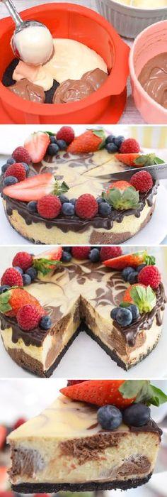 De verdad quedo increíble delicioso el cheesecake MARMOLADO de Chocolate blanco y negro. #cheesecake #marmolado #chocolatecake #cakes #chocolatelovers #framboises #fresas #strawberry #frutas #pan #panfrances #pantone #panes #pantone #pan #receta #recipe #casero #torta #tartas #pastel #nestlecocina #bizcocho #bizcochuelo #tasty #cocina #chocolate Si te gusta dinos HOLA y dale a Me Gusta MIREN…