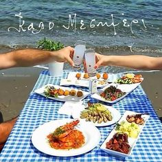 Driniking ouzo in greece Greek Recipes, Bon Appetit, Plastic Cutting Board, Greece, Kitchen, Greek Quotes, Picture Quotes, Foods, Country