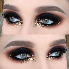 Halloween Makeup Ideas : Smokey eye make up gold glitter and sequins - Makeup İdeas Tutorial Makeup Hacks, Makeup Inspo, Makeup Art, Makeup Inspiration, Beauty Makeup, Hair Makeup, Makeup Ideas, Exotic Makeup, Makeup Trends
