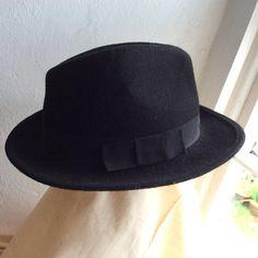 Vintage black felt hat  traditional gentlemans felt by coolclobber