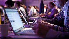 Google: La web que vigila internet para encontrar las vulnerabilidades más peligrosas. Noticias de Tecnología. Cuenta con el apoyo de Google y no hay dispositivo que se le resista. El buscador Censys hace todos los días su ronda por ordenadores, routers y otros dispositivos en busca de graves vulnerabilidades
