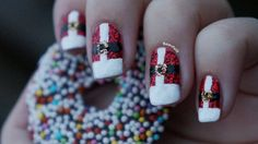 DIY Nail Art | Christmas Nails # 4 ~ Beautyill | Beauty Blog with nail art, nail polish, makeup reviews and more!