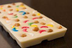 Prachi's beautiful white chocolate happiness bar with moon sprinkles and butterscotch!  Looks yummm, doesn't it?