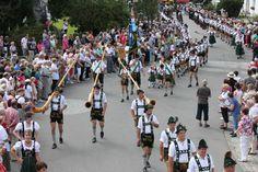 Alphornbläser- Tradition de Bavière - www.facebook.com/destinationbaviere