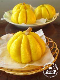 Nasi Lemak Lover: Steamed Pumpkin buns with Lotus paste filling 南瓜小包子 Bread Maker Recipes, My Recipes, Dessert Recipes, Favorite Recipes, Steamed Cake, Steamed Buns, Steamed Meat, Pumpkin Buns Recipe, Sorbet