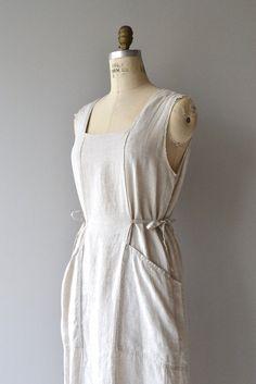 Vintage Flax linen apron style dress with wide shoulder straps, squared neckline, adjustable tie sides and angled pockets. --- M E A S U R E M E N T S
