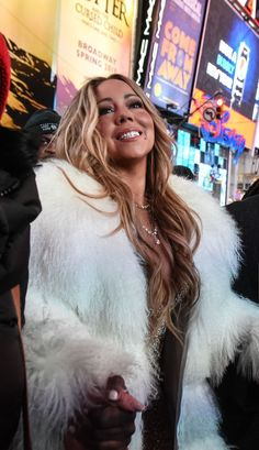 Mariah Carey Pictures, Michelle Pfeiffer, Diva, Dreadlocks, Female, Celebrities, Hair Styles, Butterfly, Queen