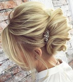 38 trendy wedding hairstyles for long hair updo mom Short Hairstyles Over 50, Haircuts For Long Hair, Wedding Hairstyles For Long Hair, Elegant Hairstyles, Wedding Hair And Makeup, Up Hairstyles, Formal Hairstyles, Bridal Hairstyles, Famous Hairstyles