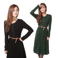 Kleid mit Gürtel und Knöpfen