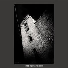Meridiana claridad (Sofía Serra): Torre subiendo al cielo
