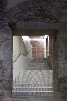 Meritxell Inaraja - Restoration of the historic mint building, Barcelona 2011. Photos (C) Wenzel.