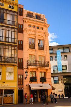 De leukste wijken van Valencia + tips en bezienswaardigheden Travel Inspiration, Multi Story Building, Places, Tips, Sas Travel, Journal, Holiday, Cities, Vacations