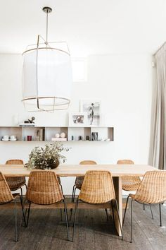 If you want to add a special touch to your Scandinavian dining room lighting design, you have to read this article that is filled with unique tips. Get inspired by these dining room lighting and furniture ideas! Rattan Dining Chairs, Dining Furniture, Furniture Ideas, System Furniture, Kitchen Chairs, Dining Tables, Kitchen Dining, Rattan Armchair, White Dining Chairs