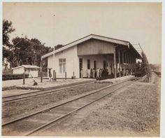 Spoorwegstation te Lawang circa 1925.