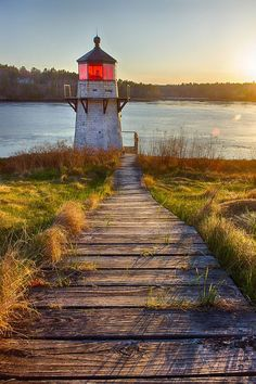 Photograph Squirrel Point Lighthouse by Benjamin Williamson on in Arrowsic, Maine Maine Lighthouses, Beautiful Places, Beautiful Pictures, Point Light, Beacon Of Light, Places To See, Trains, Costa, Scenery