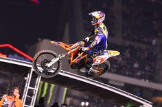 KTM's Dungey Dominates Angel Stadium III Supercross for First Win of 2015 Season
