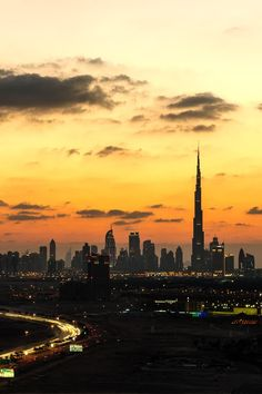 The way to Dubai by Ashraf Jandali via 500px.