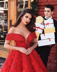 🎁The greatest gifts are wrapped in love ❤YES or NO? ✖️ Red is trendy for coming year 😌😉Add one to. Nice Dresses, Prom Dresses, Formal Dresses, Mack Up, Prom Party, Luxury Lifestyle, Great Gifts, Womens Fashion, Red