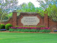 What are the essay prompt(s) for Furman University?