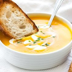 Creamy Butternut Squash Soup is a great, healthier winter warmer and so easy to make! Recipe with instructions for Slow Cooker, Instant Pot, and stovetop. Gourmet Recipes, Crockpot Recipes, Soup Recipes, Cooking Recipes, Chicken Recipes, Vegan Recipes, Creamy Butternut Squash Soup Recipe, Roasted Butternut, Instant Pot Dinner Recipes