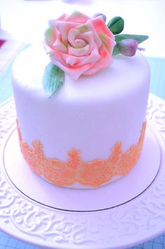 In this video I demonstrate how you can make a paste to be used for making edible lace. With simple ingredients that may probably have already at home we can. Birthday Cake Roses, Edible Lace, Foundant, Cake Pictures, Cake Decorating Tips, Fondant Cakes, Desserts, Cupcake, Cookies