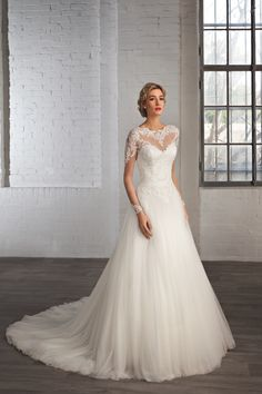 Style 7776 Cosmobella 2016 wedding dress collection #lace #princess