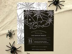 Fairepart pour Halloween party décorée par des toiles d'araignées