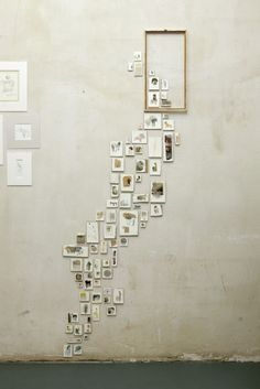 We have gathered many gorgeous wall display and gallery wall ideas that you can create easily for your home! Check out these ideas and get right to it! Display your photos! Collage Mural, Instalation Art, Home And Deco, Photo Displays, Decoration, Sweet Home, House Design, Wall Design, Design Art
