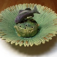 I love this! Weller Ardsley Bowl and Fish Frog