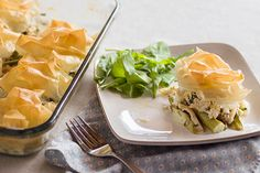 Light chicken and spring vegetable pie – Recipes – Bite