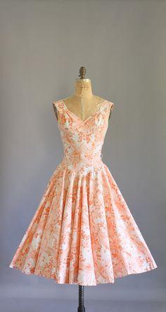 Size small. #vintage #vintagedress #vintagefashion #1950s #1950sdress #50s #50sdress #etsy #etsyvintage