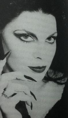Patricia Morrison Gothic Bands, Gothic Rock, Dark Gothic, Patricia Morrison, Goth Club, Sisters Of Mercy, Veronica Lake, Maila, Gothabilly