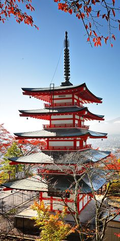 Japan's culture makes it a great holiday destination, with fascinating contrasts of traditional and modern Japan has something for every visitor. Visitors can enjoy shopping in bustling Tokyo, or explore ancient temples, shrines and geisha districts which offer a glimpse into the country's heritage and history.