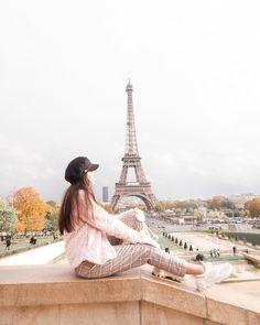 La imagen puede contener: cielo y exterior Fan Army, Photos Tumblr, Paris Travel, Instagram, Exterior, Photoshoot, Building, Pictures, Photography