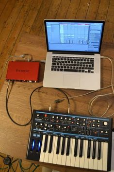 Home Recording Studio Setup for Beginners: 5 Essential Items to Own - Musician's HQ Home Studio Setup, Music Studio Room, Home Recording Studio Equipment, Home Theater Sound System, Home Music Rooms, Dream Music, Dj Setup, Electronic Music, Intercom