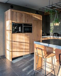 Modern Farmhouse Kitchens, Cool Kitchens, Boy Room, Kitchen Design, Kitchen Ideas, Decoration, Sweet Home, Shed, New Homes