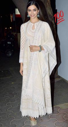 Deepika Padukone Charms Us In Off-White Outfits! Kurta Designs, Kurti Designs Party Wear, Anarkali Dress, Pakistani Dresses, Indian Dresses, White Anarkali, Indian Anarkali, African Dress, Indian Look