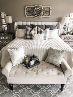 Master bedrooms decor - Cozy master bedroom - Home decor bedroom - Remodel bedroom - Farmhouse - Best Pins Farmhouse Master Bedroom, Master Bedroom Design, Dream Bedroom, Home Decor Bedroom, Modern Bedroom, Bedroom Designs, Decorating A Bedroom, Fancy Bedroom, Diy Bedroom