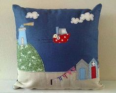 Love this British seaside applique Applique Cushions, Sewing Pillows, Diy Pillows, Decorative Pillows, Fabric Art, Fabric Crafts, Sewing Crafts, Sewing Projects, Sewing Appliques