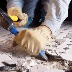 How to Remove Ceramic Tile from a Concrete Floor. I want concrete floors in the family room and kitchen. Linoleum Flooring, Concrete Floors, Modern Flooring, Flooring Ideas, Ceramic Floor Tiles, Ceramic Flooring, Home Fix, Tile Installation, Home Repairs