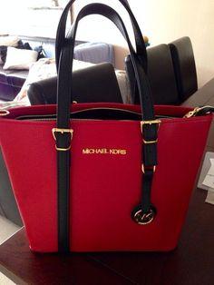 Michael Kors Red Handbags Outlet #MichaelKors | Outlet Value Blog Diese und weitere Taschen auf www.designertaschen-shops.de entdecken