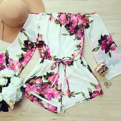 Floral long sleeve romper. #thebest