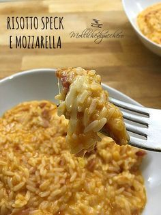 Risotto filante con speck More recipes recipes recipes Risotto Recipes, Rice Recipes, Pasta Recipes, Cooking Recipes, Italian Dishes, Italian Recipes, I Love Food, Good Food, Salty Foods