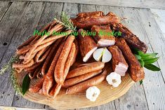 Cum se face o afumatoare acasa, din caramida, tabla sau scanduri Romanian Food, Charcuterie, Carne, Carrots, Sausage, Grilling, Homemade, Vegetables, Recipes